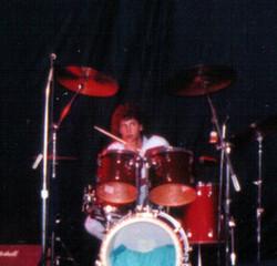 PROFILE Xmas gig -1983