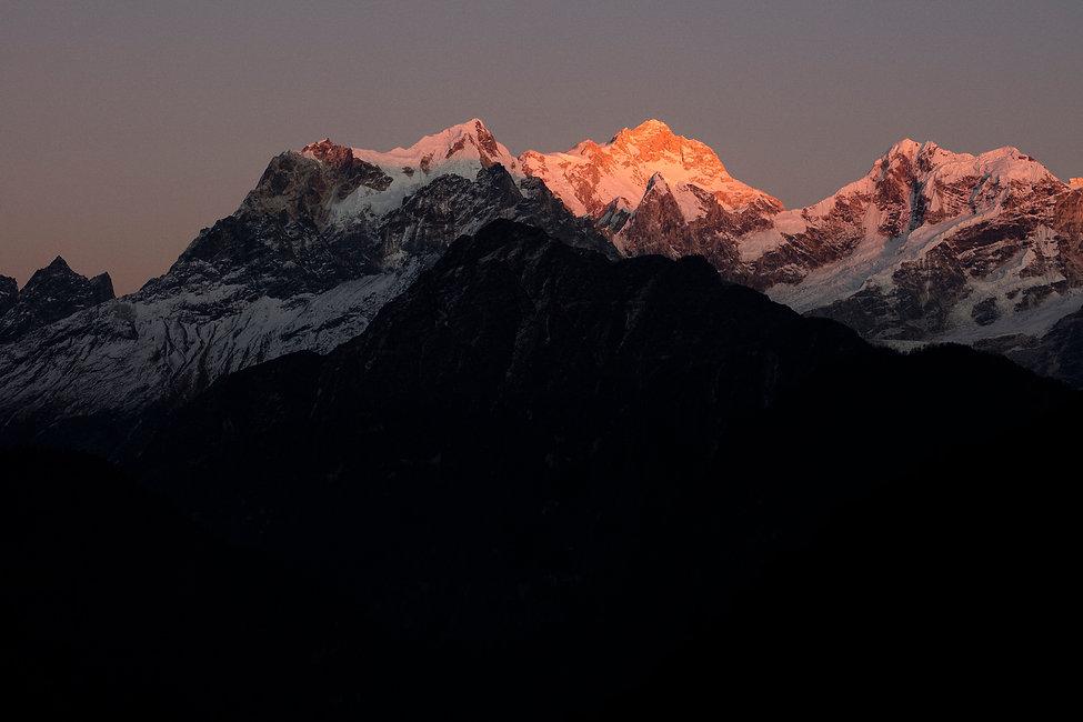Last light Manaslu.jpg