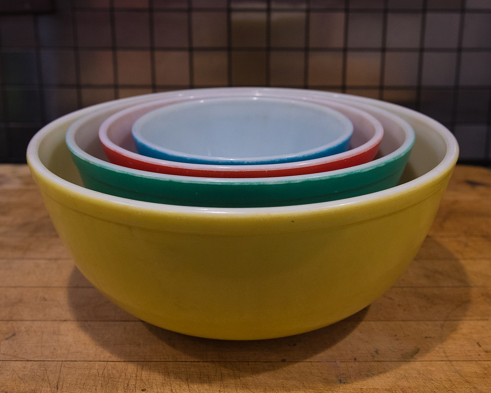 Pyrex bowls, yellow, green, red and blue