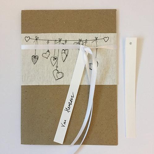 Herzige Verpackung mit Stoffband