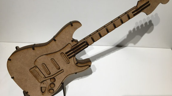 Guitare 2 (grand modèle)