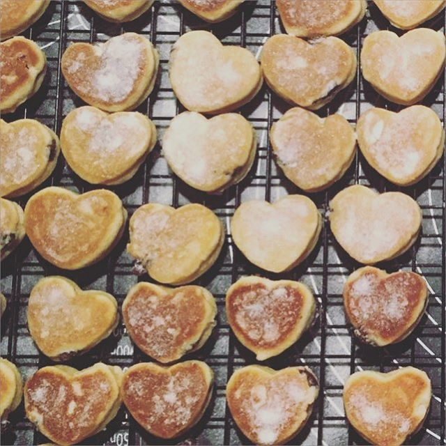 What better than heart shaped welshcakes for wedding favours! These are winging their way to a weddi
