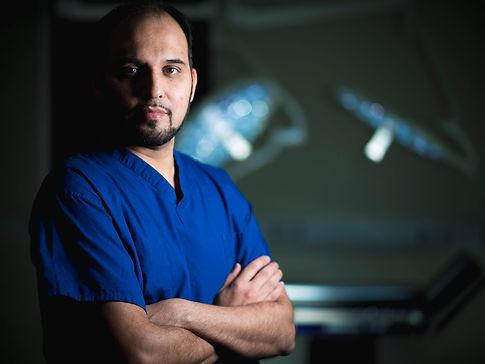 0_Surgeons-on-the-edge-of-life (1).jpg