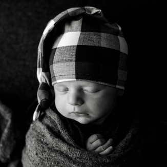 professional newborn photographer near me
