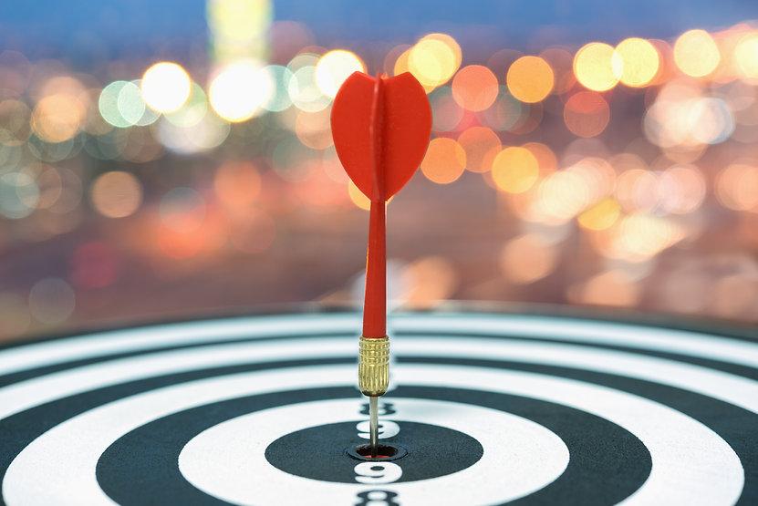 dart-target-arrow-bullseye-blurred-bokeh