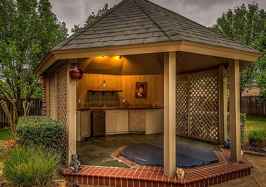 gazebo-hot-tub-1024x675_edited.jpg