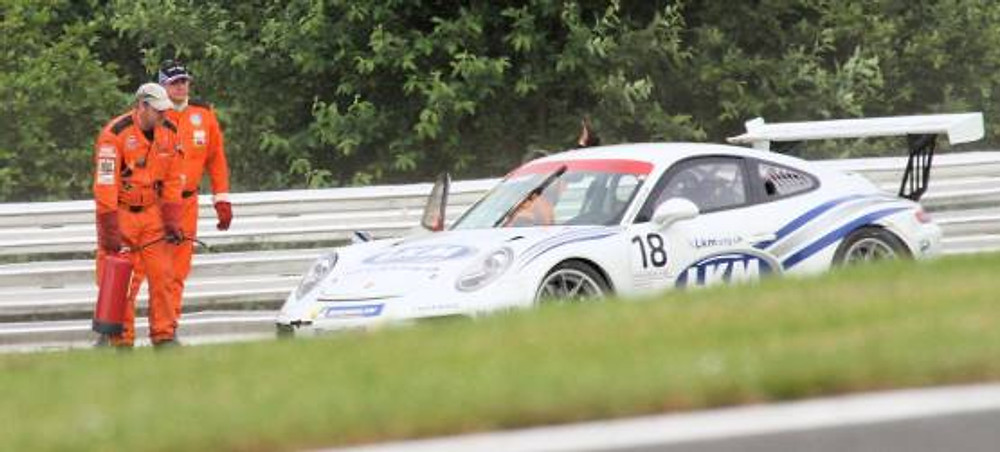 Thumbs up for the Porsche driver