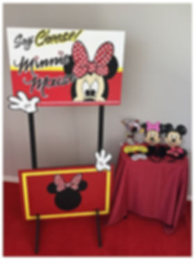 DIY Minie Mouse Photo Booth Hire