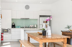 aloha-byron-bay-poolside-kitchen.jpg