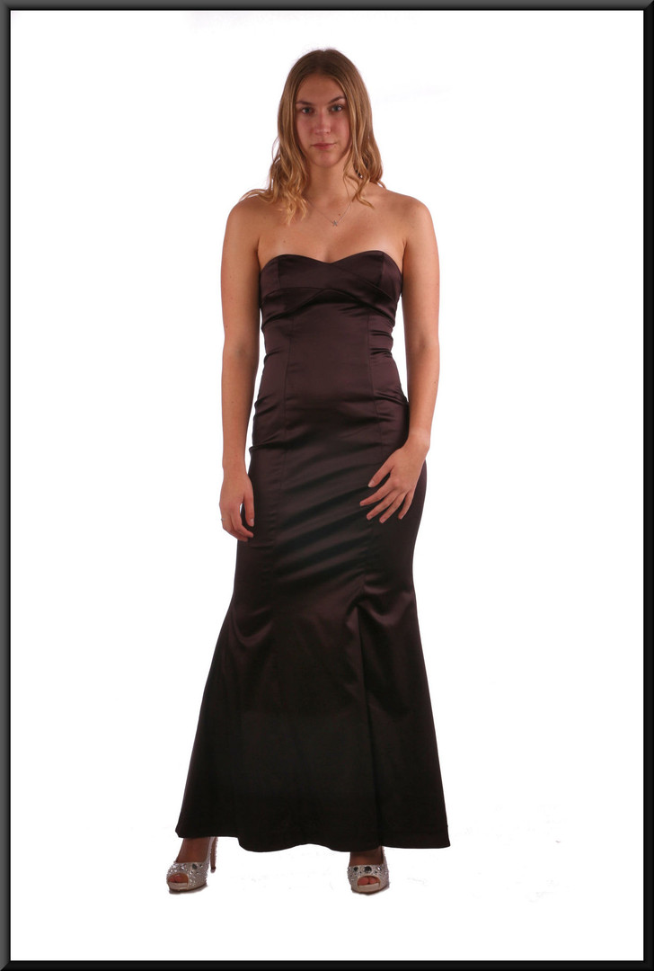 """Formal strapless evening dress with flared skirt and rear ribbon tie - chocolate, size 8 / 10; model height 5'9"""""""