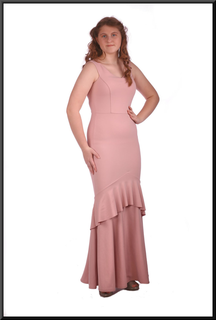 """Polyester full length Jessica Rabbit style evening dress - powder pink, size 10 / 12. Model height 5'7"""""""