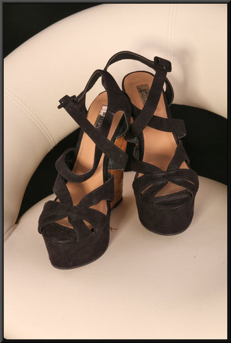Ladies' black felt-effect strappy sandals with lizard skin effect platforms size 5 by Limited Edition by Atmosphere