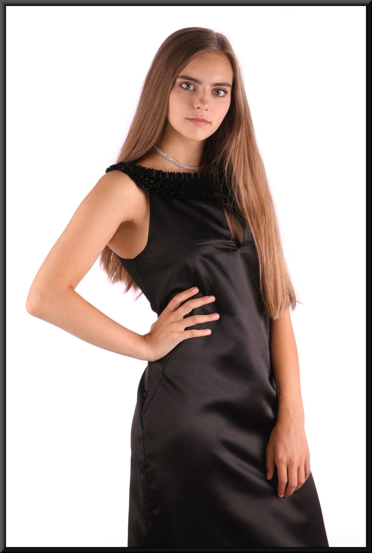 Satinette mini cocktail dress with ruffle-style collar line, black, size 4 (Ted Baker's own sizing 2), model height 5'2""