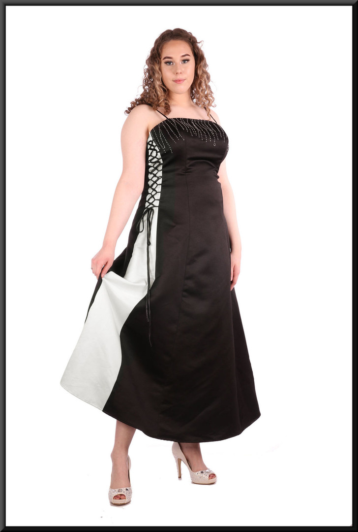 Satin ankle length with laced adjustable side panels and corset tie size 14 / 16 - black with white side panels
