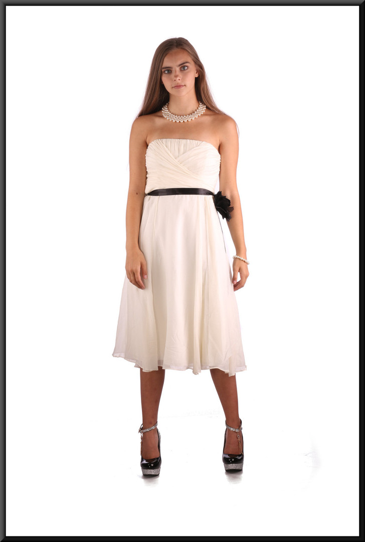 Full multi-layer strapless mini cocktail dress c/w silk effect over-skirt & ruched bodice, cream with blue belt, size 10, model height 5'2""