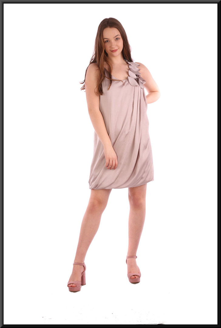 """Polyester seventies / eighties style mini dress with floral embellishment on left shoulder - dove grey, size 12. Model height 5'7"""""""