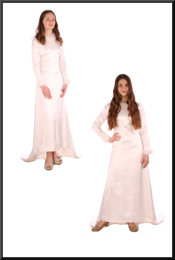 "Vintage 1972 wedding dress with train – white with a hint of ivory, size 6 / 8; model heights 5'6"" (left) and 5'5"" (right)"