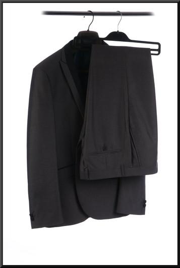 Men's evening suit with embellished light grey lapels estimated chest 36 waist 32 inside leg 29 - black