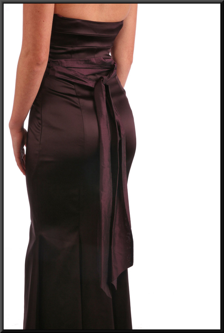 Formal strapless evening dress with flared skirt and rear ribbon tie - chocolate, size 8 / 10  Model height 5'9""