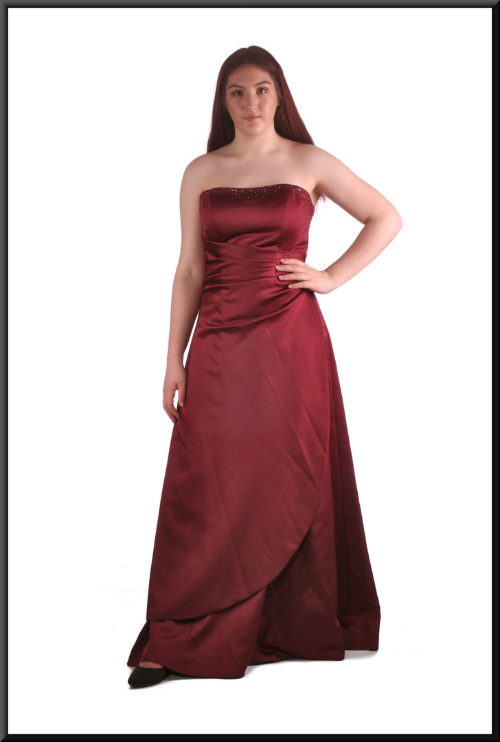 """Full length strapless evening dress, delicate diamanté along top of angular ruched bodice, dark burgundy, size 14, model height 5'7"""""""