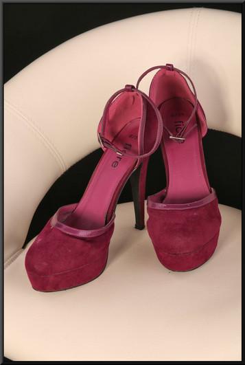 Ladies' felt effect fuchsia stiletto platform sandals size 6 by Fiore (Matalan)