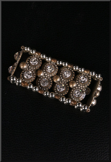 Elasticated metal and diamond effect bracelet