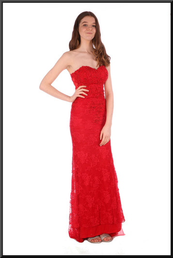 """Full length Jessica Rabbit strapless evening dress with floral pattern embroidery - red, size 4 / 6; model height 5'7"""""""