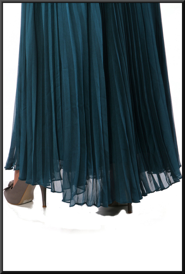 """Ankle length party / evening dress chiffon over satinette, bottle green, size 10, model height 5'5"""""""