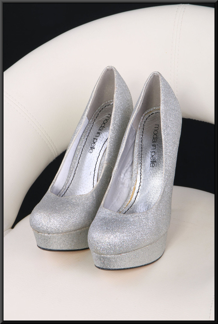 Ladies' silver glitter effect platform and stiletto evening shoes size 6 by Moda in Pelle