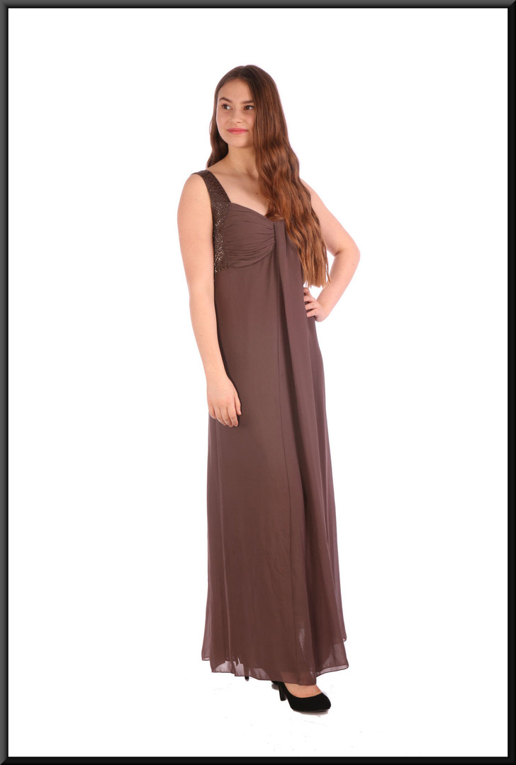 Boho style chiffon over-skirt and felt effect polyester underskirt - brownish-grey, size 10.  Model height 5'5""