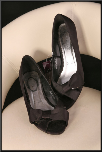 Ladies black satin effect evening shoes with bows on toes (BNIB) size 6 by Debut