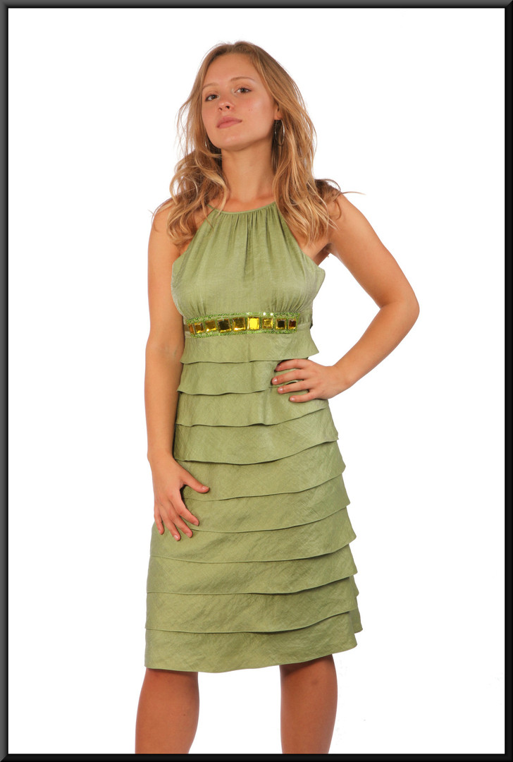 Mock twenties style party / cocktail dress, lime green, size 10 (marked US 6), model height 5'5""