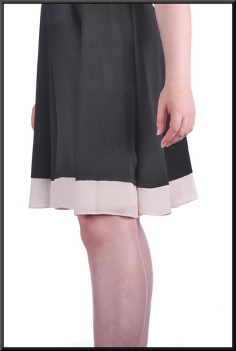 """Classic tunic style / cocktail dress, black and cream, size 14, model height 5'7"""""""