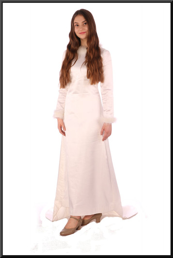 """Vintage 1972 hand-made wedding dress with train – white with a hint of ivory, size 6 / 8. Model height 5'5"""""""