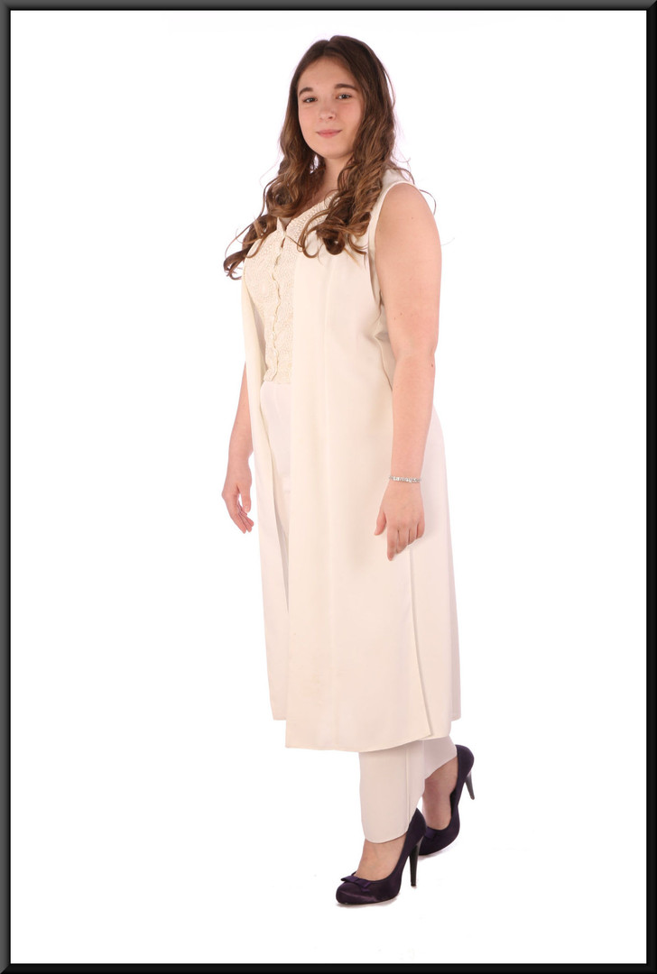 """Casual / evening trouser suit.  Scarf available separately (see Accessories A027) - cream, size 14; model height 5'7"""""""