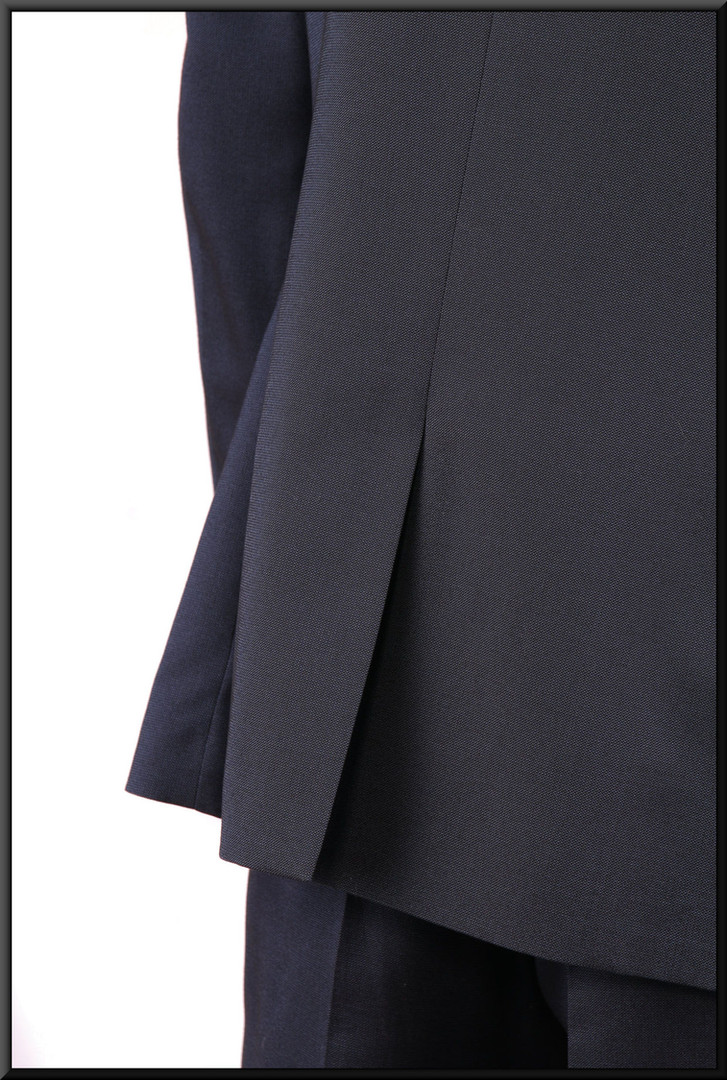 Two-piece slim-cut dark blue men's / boys' suit, chest 36, waist 30, inside leg 31, fit regular  Model height 5'11""
