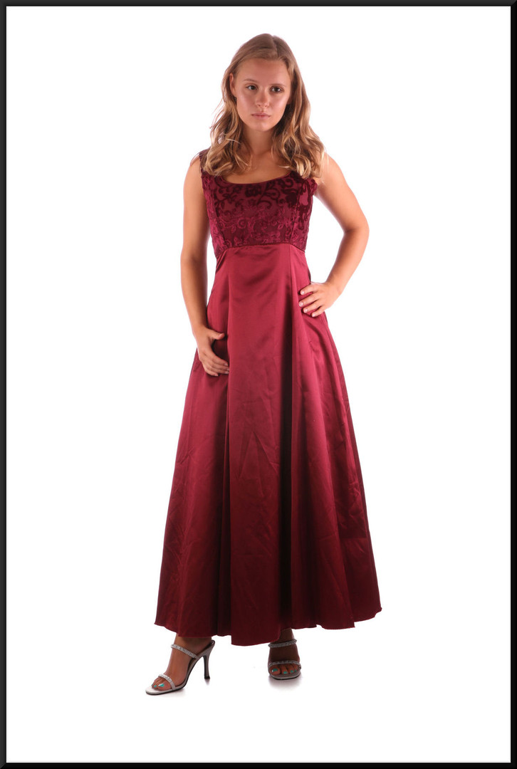 """Calf length bridesmaid / evening dress with embroidered bodice and bow at the back, maroon, size 10, model height 5'3"""""""