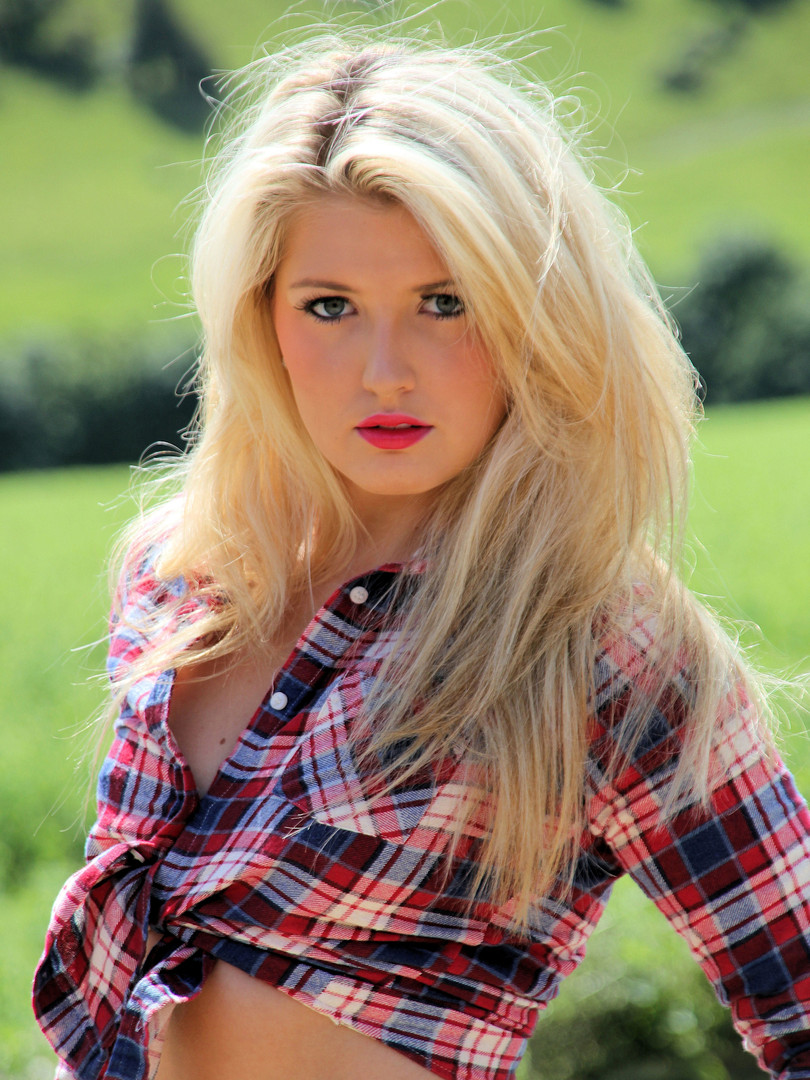 Kirsten_professional_model_mua_Toni_Todd