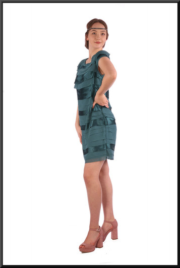 """Thoroughly Modern Millie style mini dress - two-tone turquoise, size 12. Model height 5'7"""""""