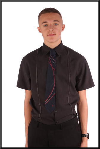 Men's short-sleeve shirt collar small black with a slight pattern