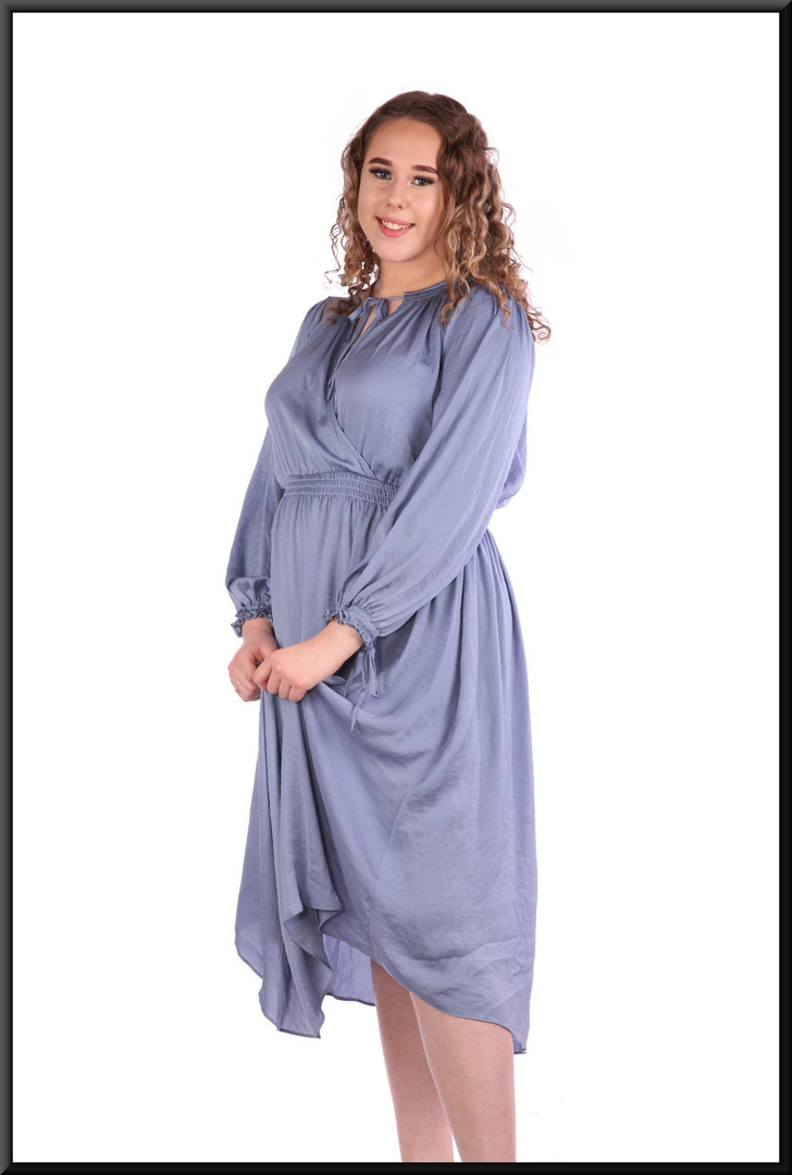 """Boho / Amish style calf length 100% polyester dress brushed cotton effect, size 12in mid to light blue. Model height 5'7"""""""