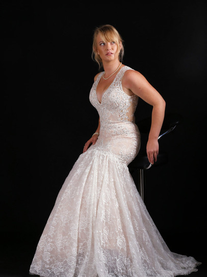 Classic 10-years-a-bride portrait