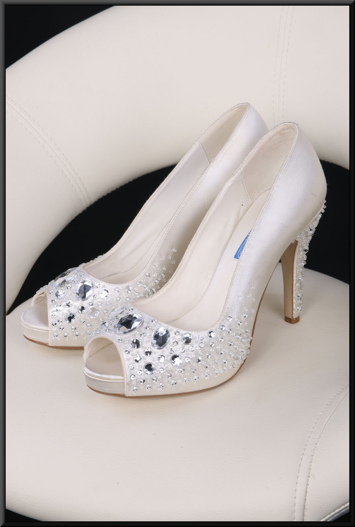 Ladies' ivory coloured satin shoes with bejewelled toes and heels size 4 by Shades