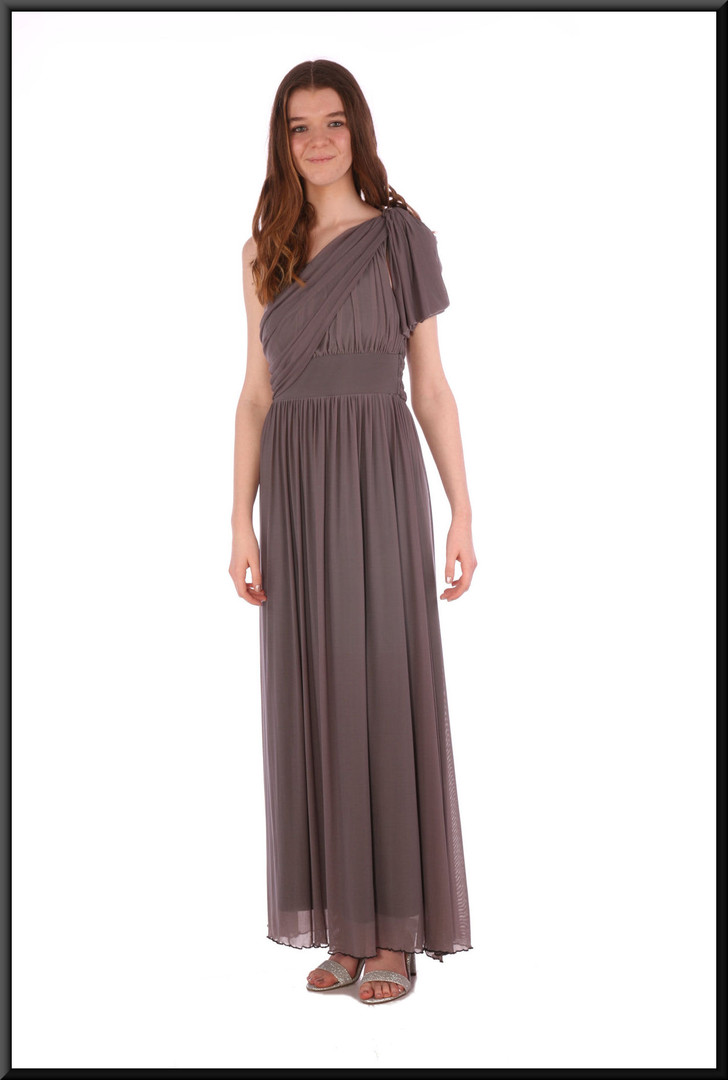 Greek goddess style evening dress with single tie shoulder strap chiffon over satinette - grey, size 8 / 10; model height 5'7""