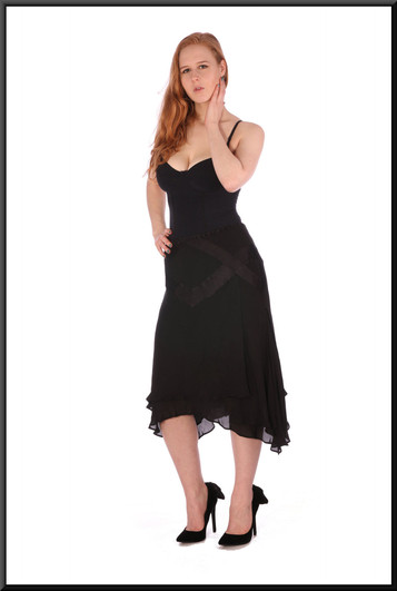 """Panelled multi-layered chiffon and satinette knee length skirt – black, size 10 / 12 - pairswith cat no 208;model height 5'6"""""""