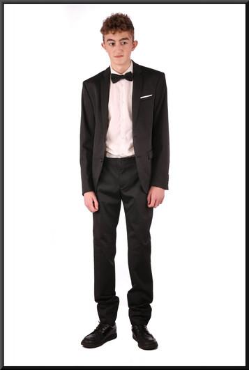 Two-piece fairly slim cut evening suit, EU chest size 48, waist 38, inside leg NK, fit long - black with herringbone stitch pattern