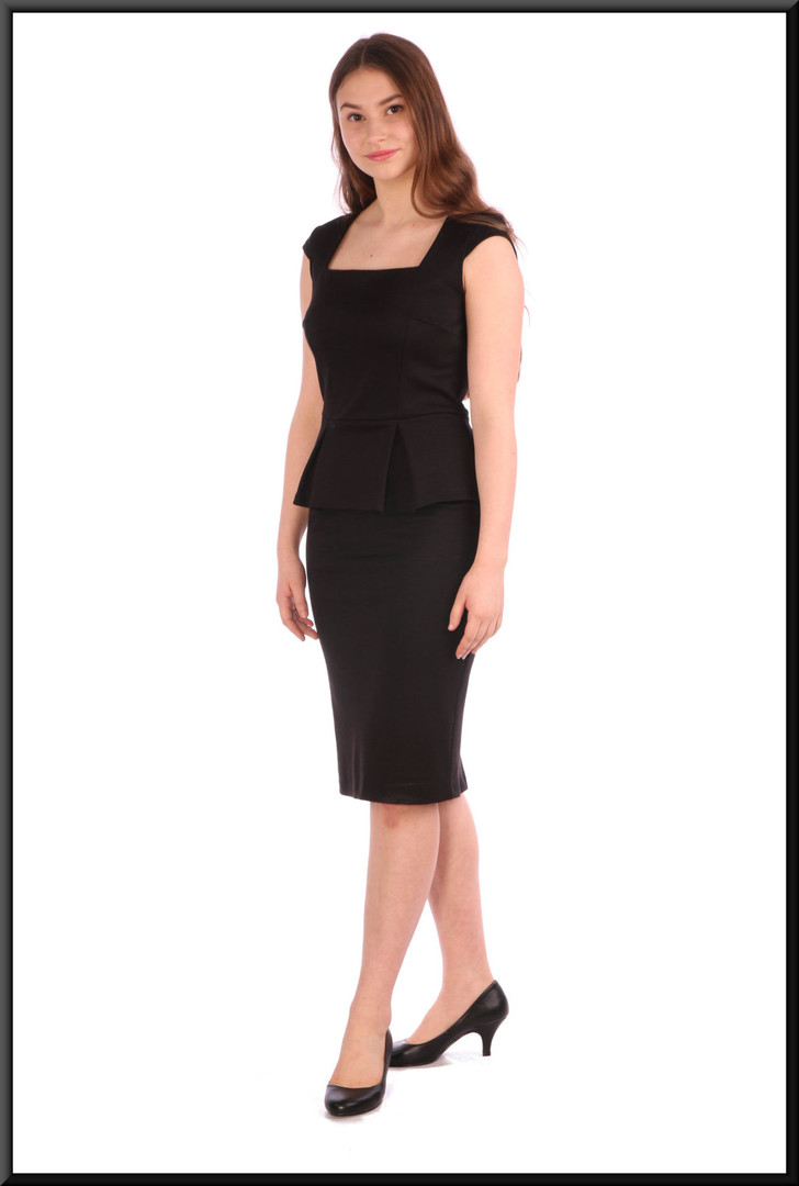 Slimline cocktail dress - black, size 8.  Model height 5'5""