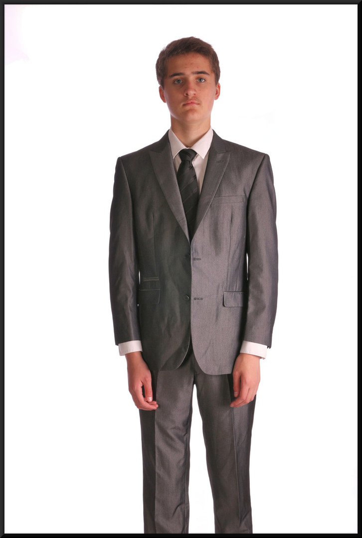 Teenage suit estimated chest 32 waist 28 inside leg 28 - silver grey