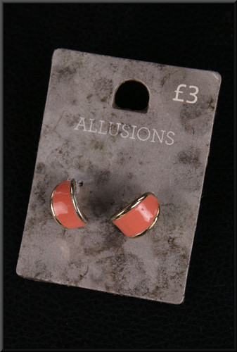 Coral coloured earrings – pairs with cat. no. A156