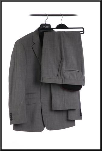 Men's lounge suit chest 42 waist 32 inside leg 31 - light gray